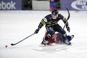 Michael Pettersson hade en kul kväll mot Gustavsberg med två mål och tre målgivande passningar. Med det var han poängbäst i Falu BS.