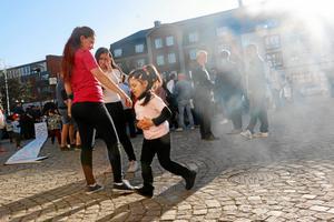 Från protesterna på Kumla torg 2014. Nu får familjen några månader av lugn medan yngsta barnets uppehållstillstånd utreds.