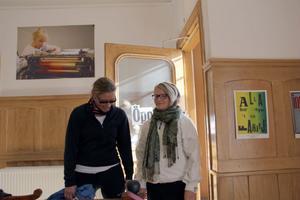 Mia Sparrow (FP) hade ett givande samtal med högstadieeleven Louise Ljungström. Mia Farrow hoppades att de skulle kunna upprätthålla kontakten för att få feedback på politikernas arbete för ungdomar och skolan.