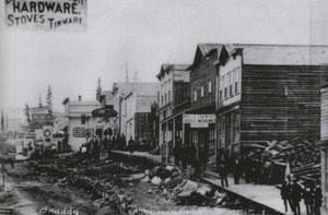 Under 1880-talet var Kokomo-Recen en hektisk stad med stor handel. Här en vy från dess huvudgata.