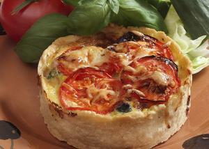 En stor eller fyra små i portionsformat. I det här fallet är fyllningen vegetarisk med extra drag av Västerbottensost.