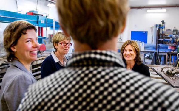 (Alternativbild vid behov)I går gavs besked om hur länets företag under en pressträff hos Granit & Form i Ås. Från vänster: Åsa Bergström-Schahine, Åsa Jönsson och Ann-Catrine Bertlin.Foto: Henrik Evertsson
