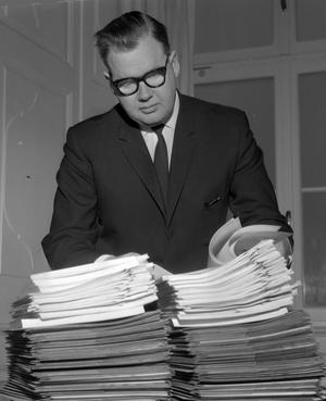 SVÅRT FALL. Trots att 300 personer förhördes hade kammaråklagare Eric Östberg inte hade ett enda bevis mot de åtalade i den stora muthärvan.