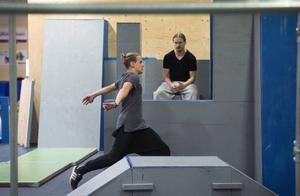 Karl Lidar, Eskilstuna, satsar för att göra en volt mot väggen.