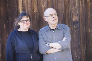 Gudrun och Bo älskar platsen de bor på. Även om planlösningen hade kunnat varit annorlunda är de imponerade av bygget.