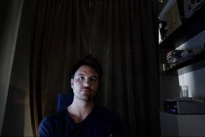 Det blev många timmar på jobbet för att ta sig igenom den ekonomiska krisen.–Det var knappt att man sov, berättar Petter Hegevall.