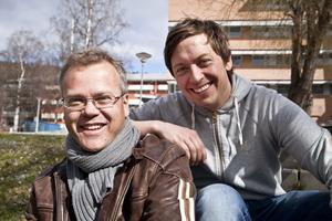 Lacke Svensson och Jimmy Södermark ligger bakom humorklubben Skratta med käften.