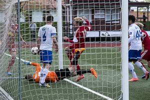 Johan Ödmark gjorde det viktiga 2–1-målet på en fint slagen hörna av Peter Johansson.