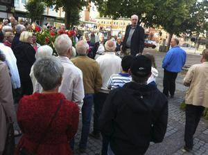 Stadsvandring är en populär tradition i Gävle.