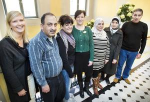 Familjeverkstad i stadshuset. Annika Lemoine, Ghassan Raisan Luaibi, Sahira Badan, Susanne Skoog, Sallama Salam, Khuloud Kahhat och Imad Jamal Alkhamees pratade föräldraskap och barnuppfostran i går.