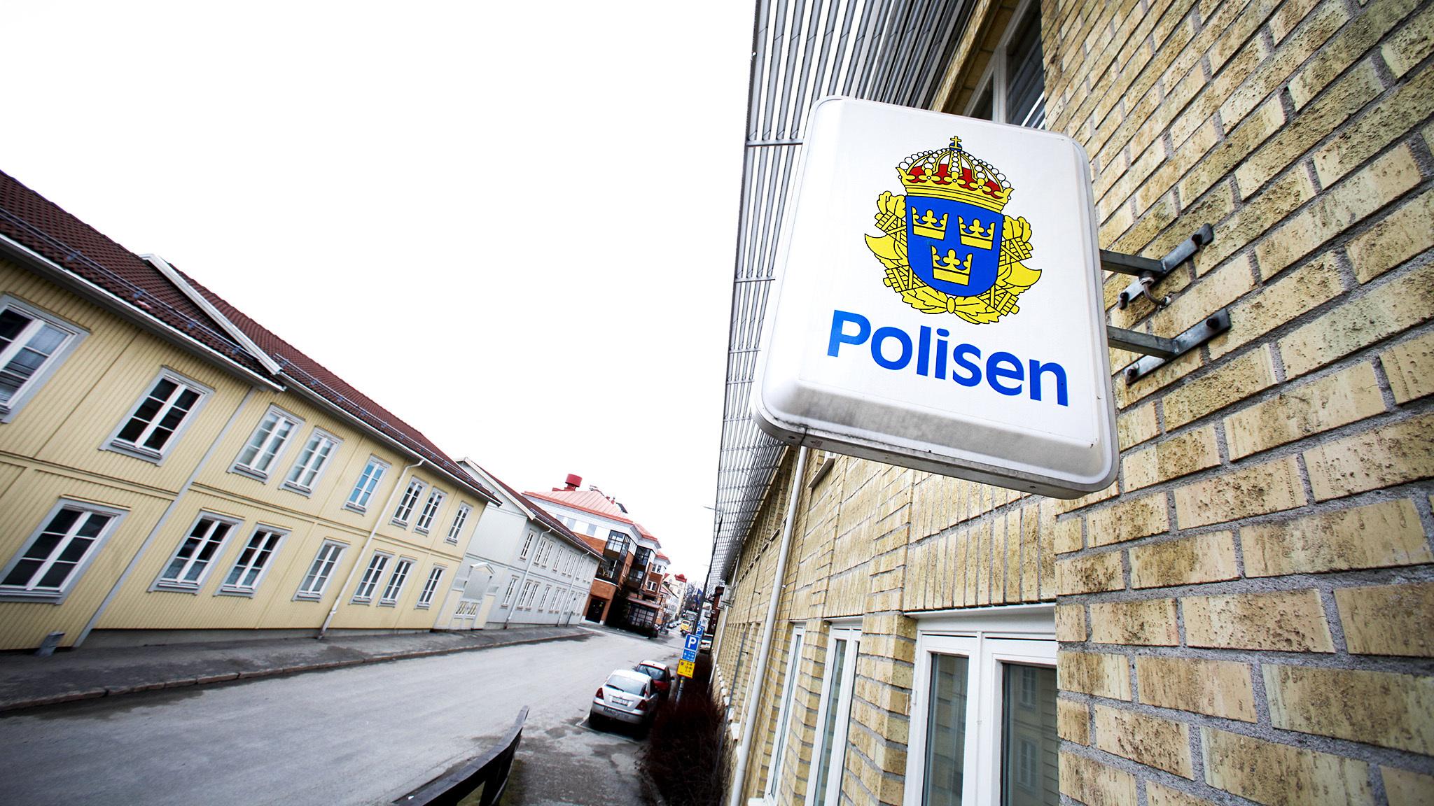 Poliserna hotade 13 arig pojke