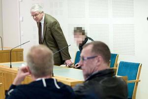 På onsdagen startade rättegången. Bilden togs vid häktningsförhandlingen.
