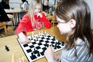 Inför lördagens riksfinal körde Emilia Rundqvist, till vänster, en liten träningsmatch mot Alma Westerström.