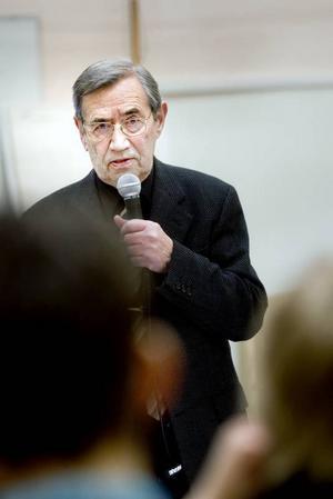 Vet vad han pratar om. Emerichfondens grundare Emerich Roth, 86 år, upplevde nazismen i fem olika koncentrationsläger.