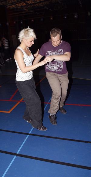 Malin Danhard och Alexander Fransson klev upp på dansgolvet när det var dags för tryckare.