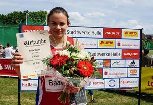 Frida Bååth efter prisutdelningen i tyska Halle.