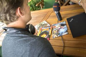 Serietidningarna är alltid nära till hands.