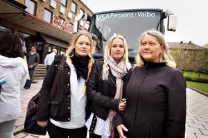 Matilda, Julia och Gunilla Nordqvist Bergen följde med till Stockholm för att protestera – trots att ingen av dem jobbar på fabriken. Men de tycker att Läkerol berör alla Gävlebor.