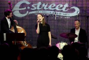 Carl Bagge Trio och Isabella Lundgren bjöd på en härlig jazzkväll.