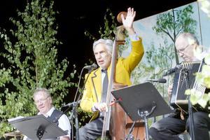 Trio mé Bumba turnerade med Beatles 1963. På lördagen stod bandet åter på scen - i Gårdskär.