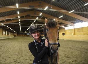 Sandra Wexén och hästen Chippen Number One tävlar i klassen lätt A.