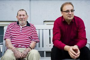 Söderhamnare på besök i Bollnäs: Henry Thelin (60 bridgeår) och Lars Franklin (5).