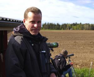 Upptäckare. Ornitologen Lars Hansson, Orsa, var den som först fick den svartvingade vadarsvalan i kikaren.