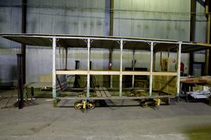 Den här 101:ans släpvagn kräver en hel del jobb innan den kan tas i trafik bakom 1:ans spårvagn.