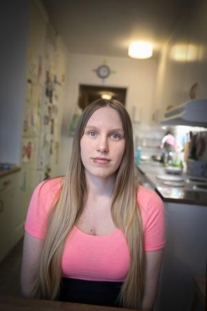 Läkarna opererade bort fel del av Therese Berglunds hjärna när hon opererades för sin epilepsi.