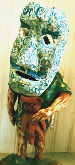 Pär Ljusberg: Flicka med mask.   Foto: Niels Hebert