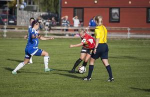 Malin Sjöberg är en av Hälsinglands bästa fotbollsspelare – och kämpade Mohed kvar i ettan. Nu provtränar hon med Ljusdal.