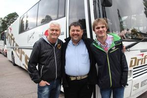 Tre verkliga dansbandsfantaster är Ulf Wiktorsson, Pelle Andersson och Patrik Schedin. Pelle gillar Drifters och Patrik Lasse Stefanz. Ulf säger: