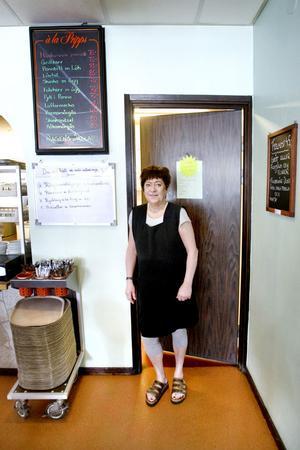 Efter att ha drivit LV-baren i 20 år tvingas Lucyna Karlsson nu ge upp.– Det känns jättetråkigt, säger hon.