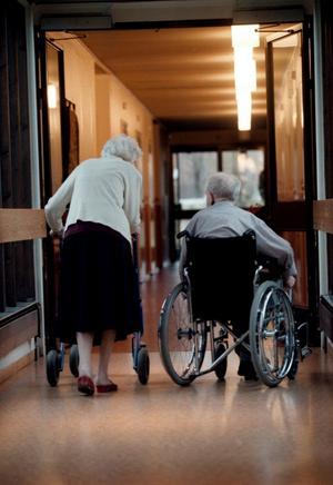 Säkrare vård. Omsorgsnämnden i Hällefors har tagit fram rutiner för anmälan enligt såväl Lex Maria som Lex Sarah för att säkerställa att vård och omsorg håller en god kvalitet.
