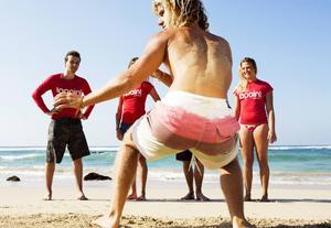 En viktig del i att lära sig surfa är att ha ett bra upphopp på brädan. João Durão visar hur det ska gå till.