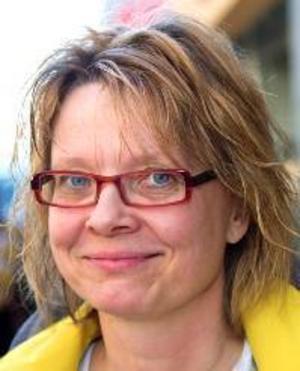 Helen Sundin, 48 år, Östersund:– Ja, jag älskar de flesta djur. Jag har hundar och har haft katt. Jag skulle gärna ha en katt igen, de är fascinerande personligheter.