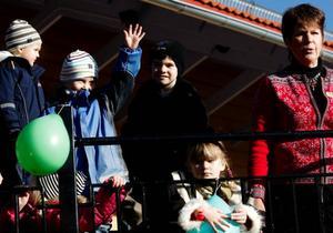 """""""Jag är otroligt stolt och glad att vara med att öppna den här nya förskolan. Här har vi nära till både Jamtli, skogsmiljö och skidområde"""", sa rektor Ulla-Britt Lundqvist vid invigningen av den nya förskolan på Stadsdel norr."""