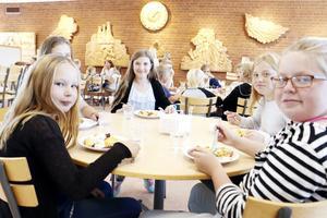 Matssalen har till elevers och lärares stora förtjusning renoverats under sommaren.