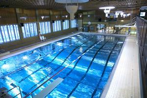 Föreningar från andra kommuner som vill hyra badet i Sporthallen får nästa år betala 800 kronor i timmen – en höjning med 220 procent.