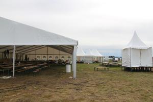 Under torsdagen var det fortfarande tomt på festivalområdet, men arrangörerna räknar med omkring 4 000 besökare.